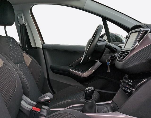 Inside 2008 Diesel  MARRON