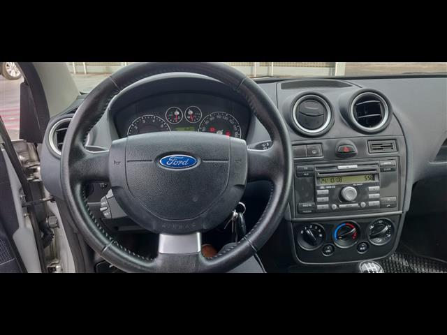 FORD Fiesta 01178473_VO38023377