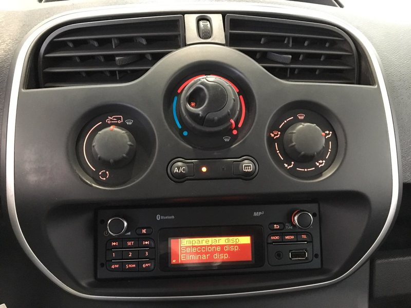 Inside Kangoo Combi Diesel  Rojo Vivo