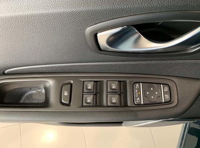 Inside Captur Diesel  Azul Volga/Techo Neg
