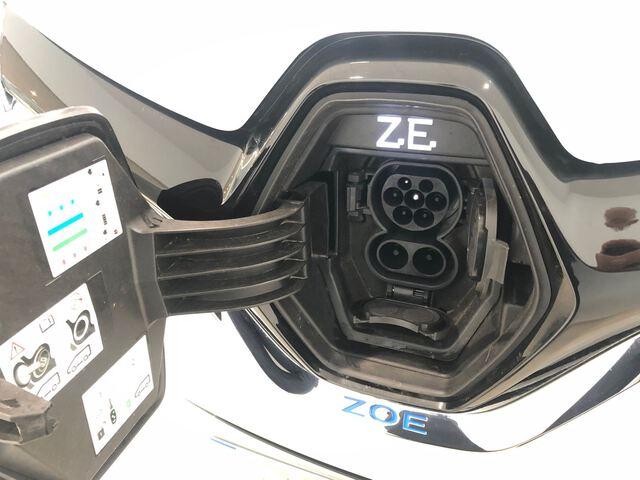 Inside  ZOE  Blanco Quartz