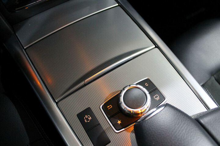 Inside Clase E W212 Diesel  Azul Cavansita
