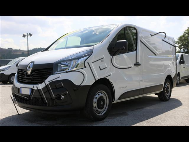 RENAULT Trafic 00267004_VO38013137