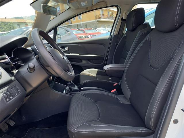 RENAULT Clio Sporter 00611108_VO38053733