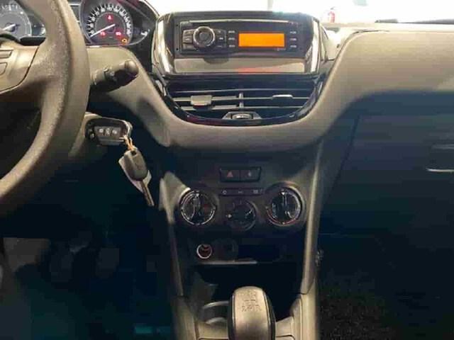Inside 208 Diesel  BLANCO