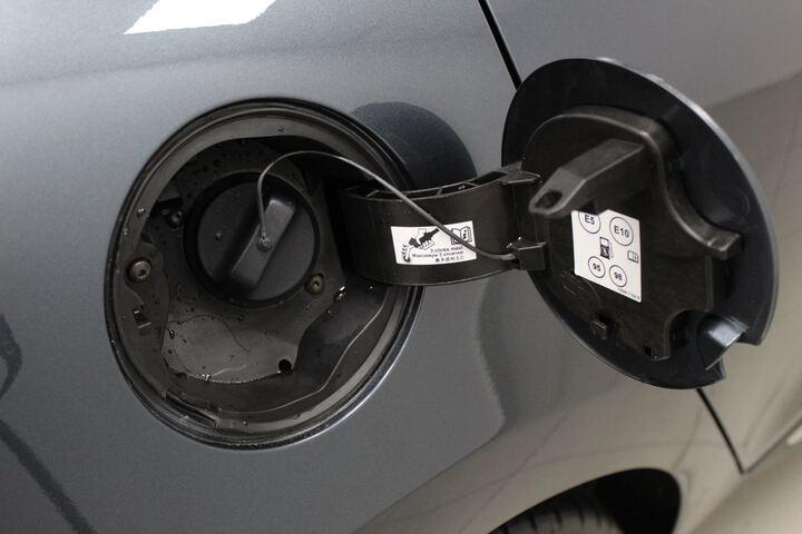 Outside Clio Gasolina/Gas  Gris