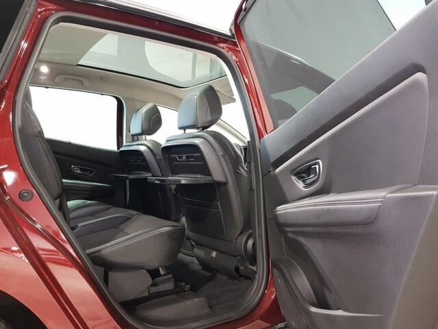 Inside Grand Scénic Diesel  Rojo Carmín