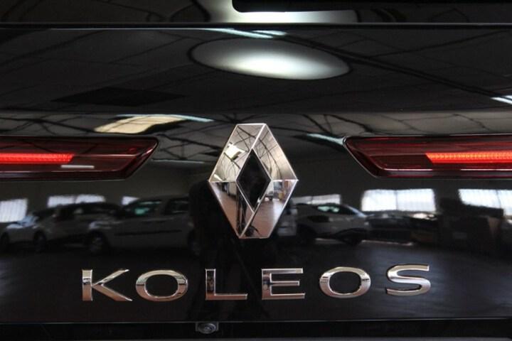 Outside Koleos Diesel  Azul Atlantico