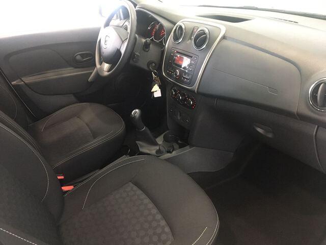 Inside Logan MCV Diesel  BLANCO