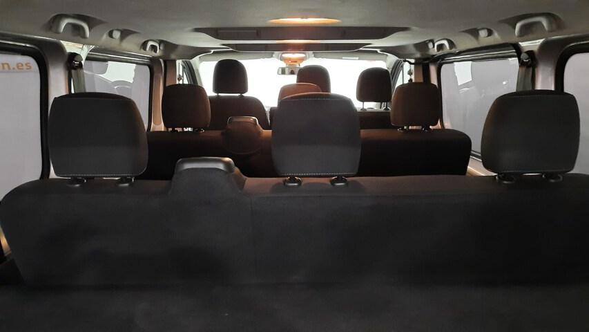 Inside Vivaro Combi Diesel  GRIS