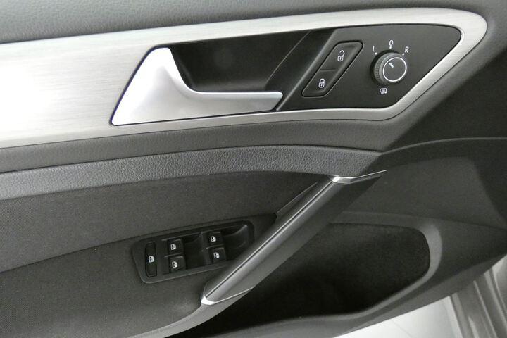 Inside Golf VII Variant Diesel  Gris