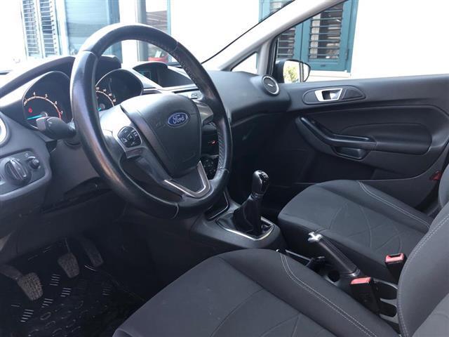 FORD Fiesta 00959417_VO38013322