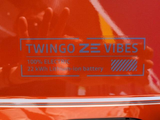 Outside Twingo Electric  NARANJA