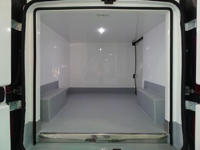 Inside Vivaro Furgón Diesel  Blanco Casablanca