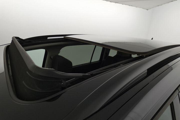 Inside Touran Diesel  Negro