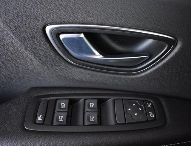 Inside Scénic Diesel  Rojo Carmín