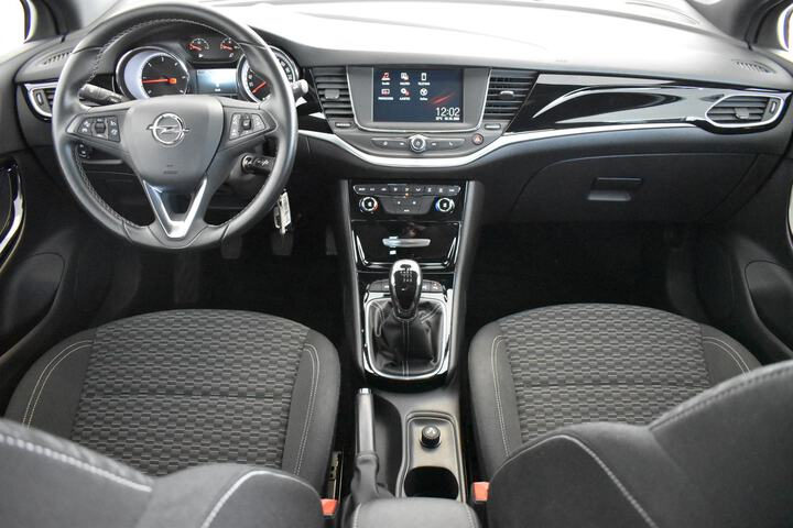 Inside Astra Sports Tourer Diesel  GRIS