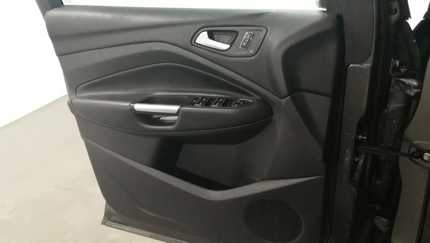 Inside Kuga Diesel  Gris Magnetic