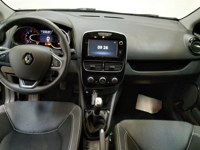 RENAULT Clio Sporter 00423380_VO38013054