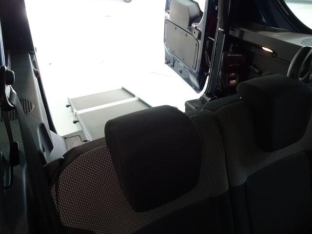 Inside Dokker Combi Diesel  Azul Cosmos