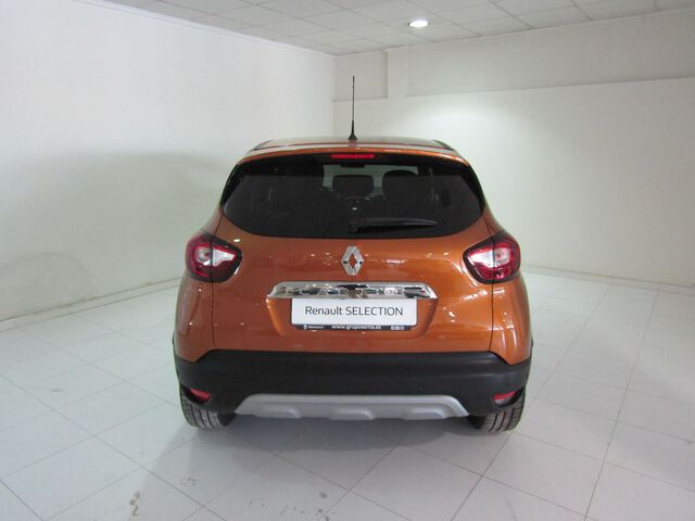 Outside Captur  Naranja Atakama