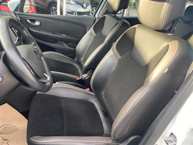 RENAULT Clio Sporter 02256438_VO38043366