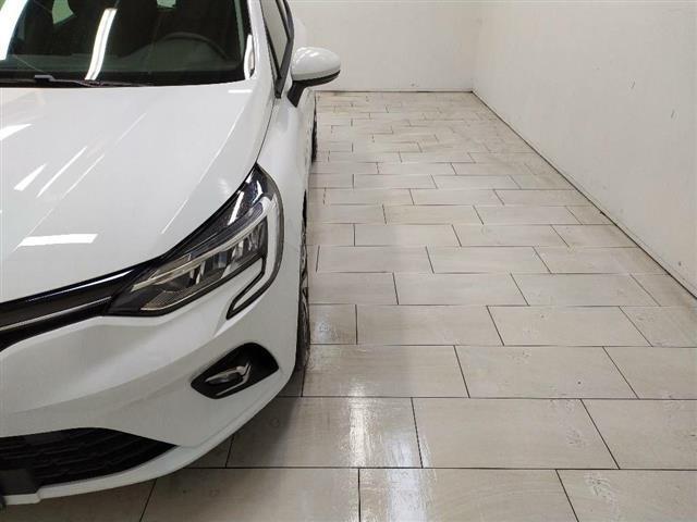RENAULT Clio V 2019 00452808_VO38013054