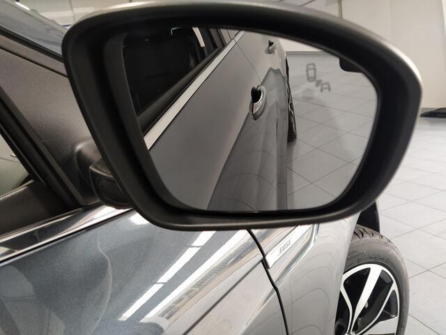 Outside Mégane Sport Tourer Diesel  Gris Titanium