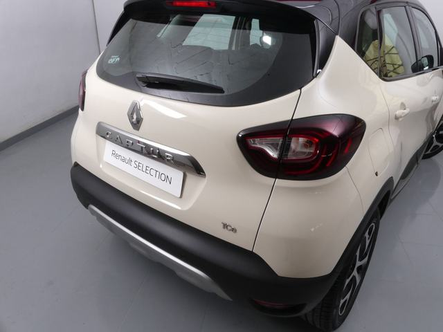Outside Captur  Marfil Delhi/Techo N