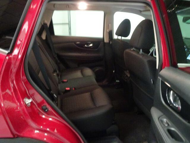 Inside X-Trail Diesel  Rojo Perlado