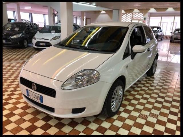 FIAT Grande Punto 00247102_VO38013065
