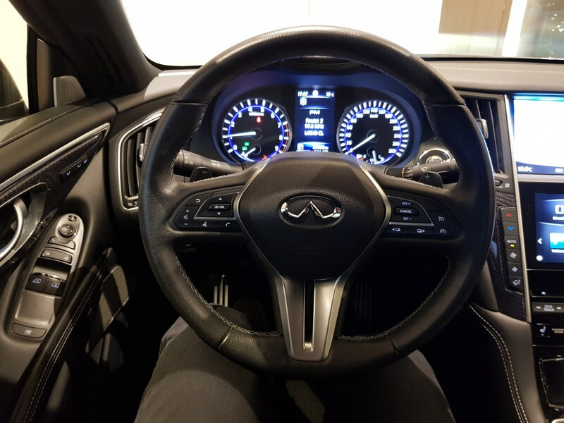Inside Q60 Coupé  Graphite Shadow