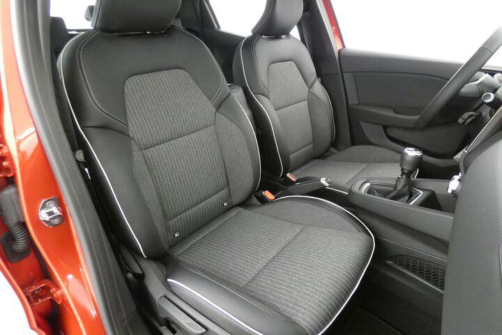 Inside Clio Gasolina/Gas  Rojo Deseo