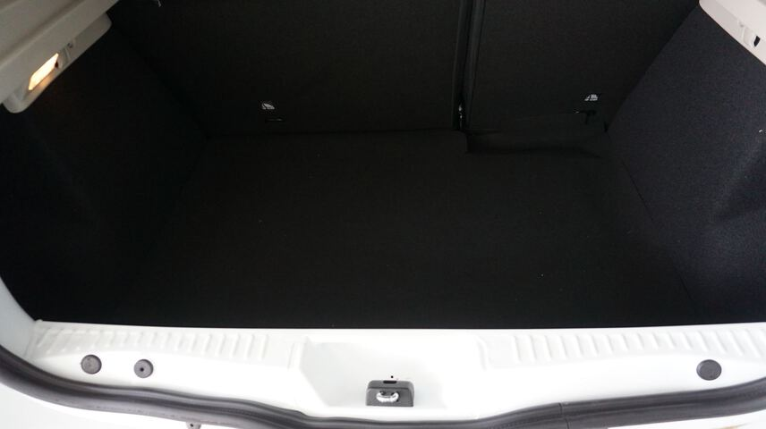 Inside Sandero Gasolina/Gas  Blanco