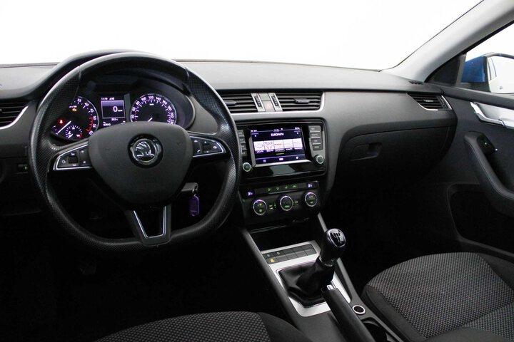 Inside Octavia Combi Diesel  Azul