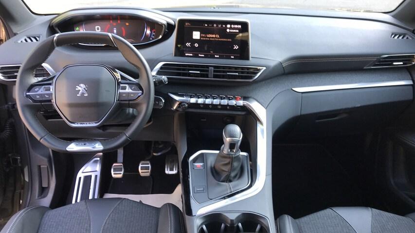 Inside 5008 Diesel  Verde