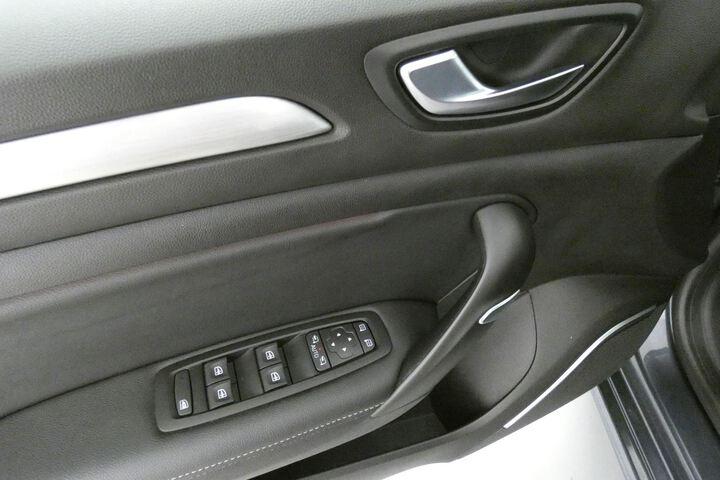 Inside Mégane Sport Tourer Diesel  Gris Titanium