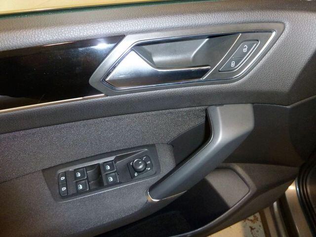 Inside Touran Diesel  Gris