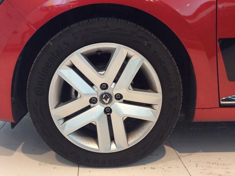 Outside  Nuevo CLIO  Rojo Deseo