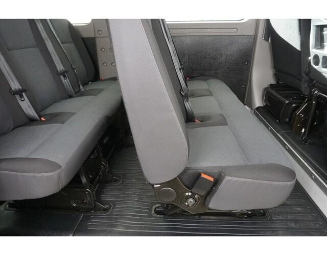 Inside Master Combi Diesel  Blanco Glaciar