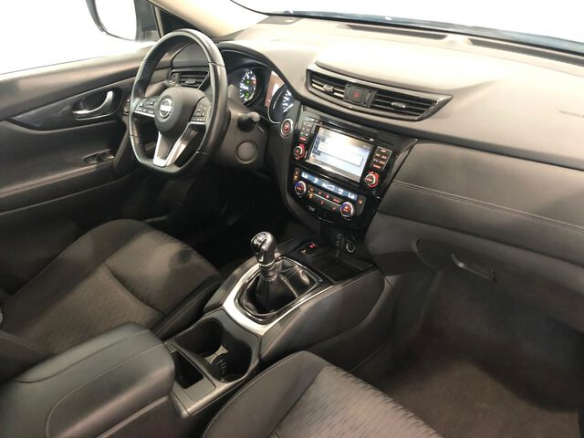 Inside X-Trail Diesel  Negro Diamante