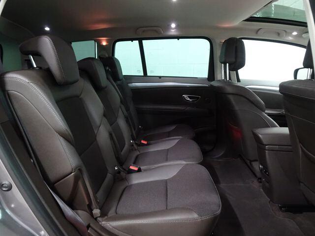Inside Espace Diesel  Gris Platino