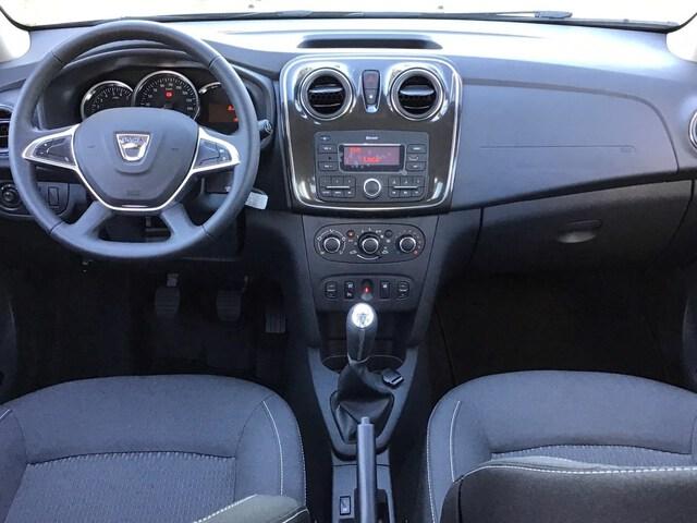Inside Logan Diesel  Gris Higland