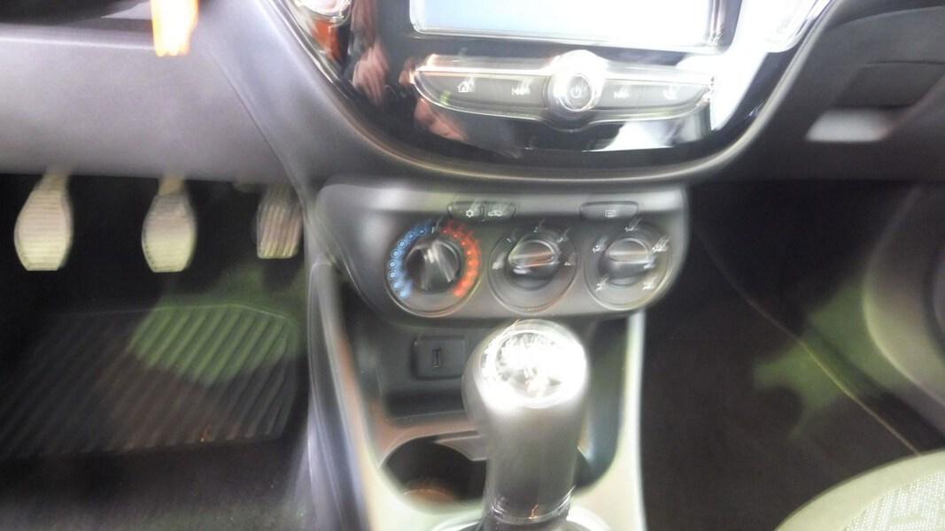 Inside Corsa  Gris Mercurio