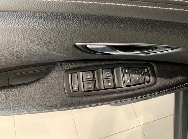 Inside Grand Scénic Diesel  Gris casiopea   tech
