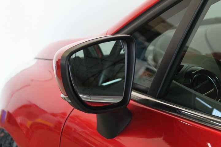 Outside Clio Gasolina/Gas  Rojo