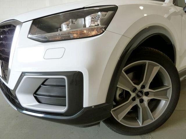 Inside Q2 Diesel  Blanco