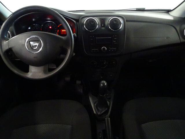 Inside Logan Diesel  Negro Nacarado