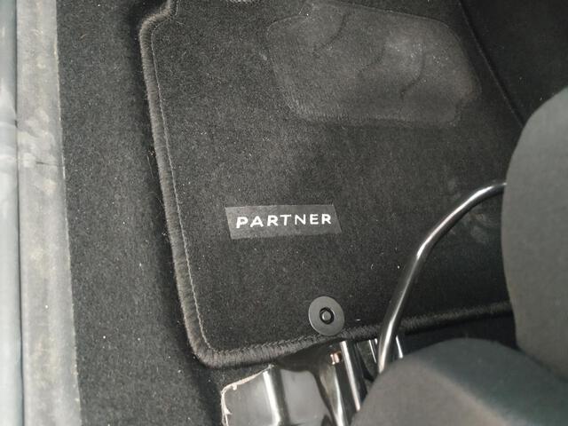 Inside Partner Combi Diesel  Gris Shark