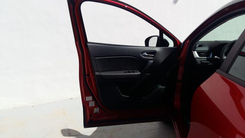 Outside Captur Diesel  Rojo Deseo con techo